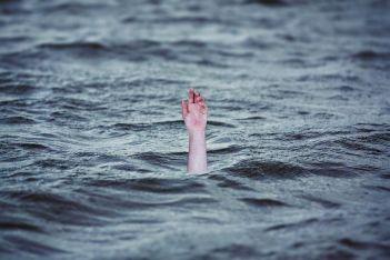 drowning-2049247__480